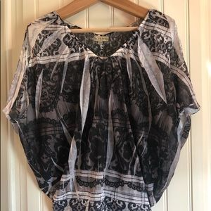 Black and white lace print blouse